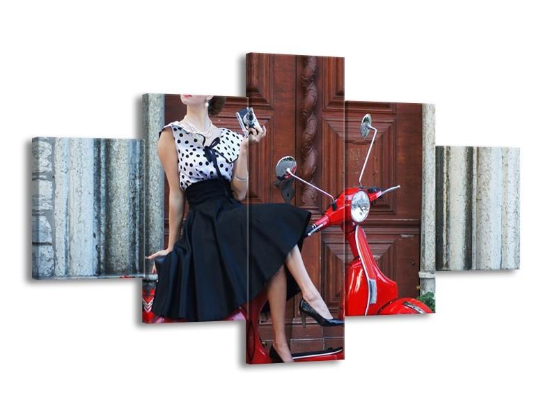 Glasschilderij Vrouw, Scooter   Rood, Zwart, Bruin   125x70cm 5Luik
